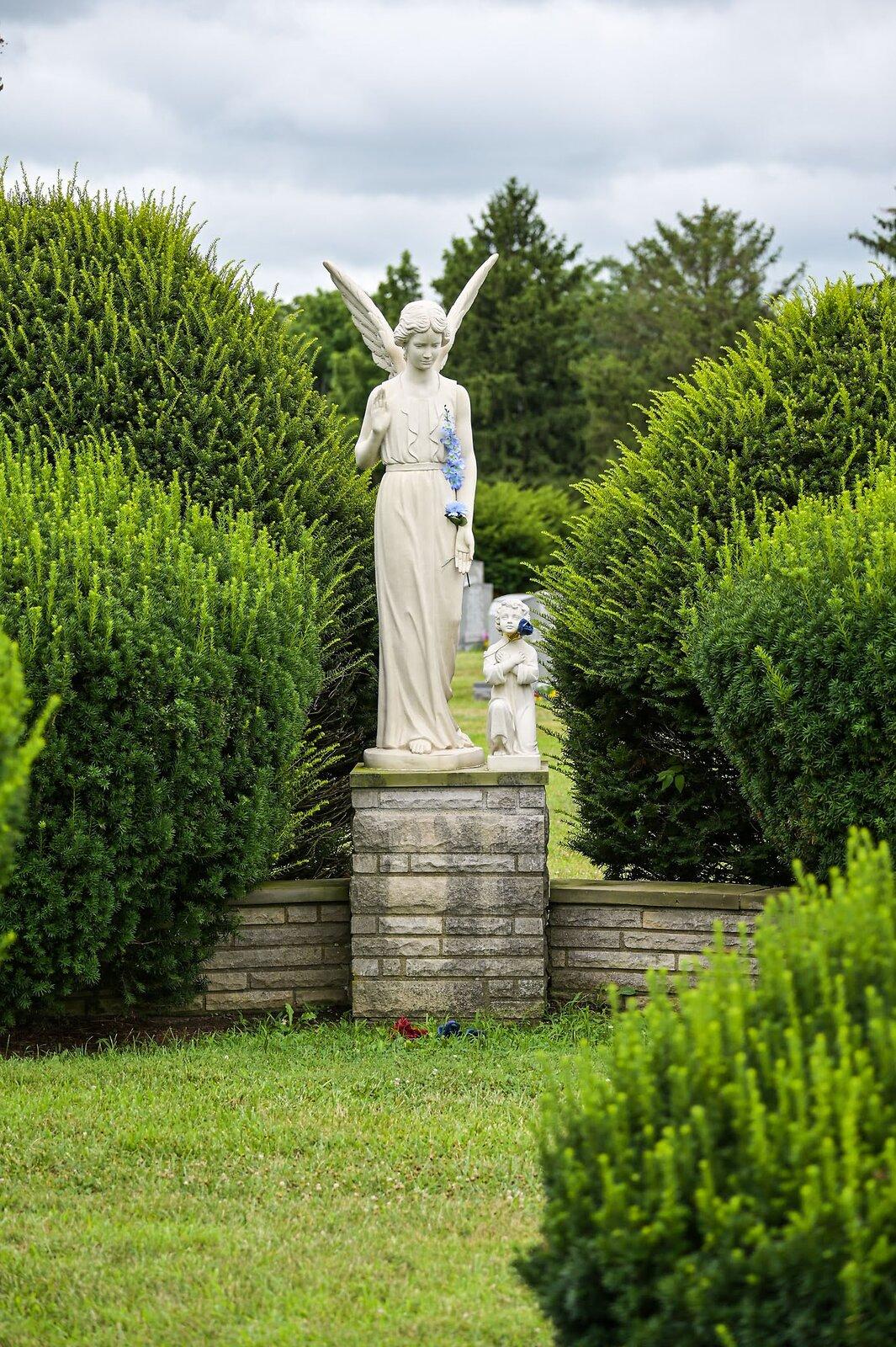 08-02-2020_cemetery_NZ6_6631.jpg