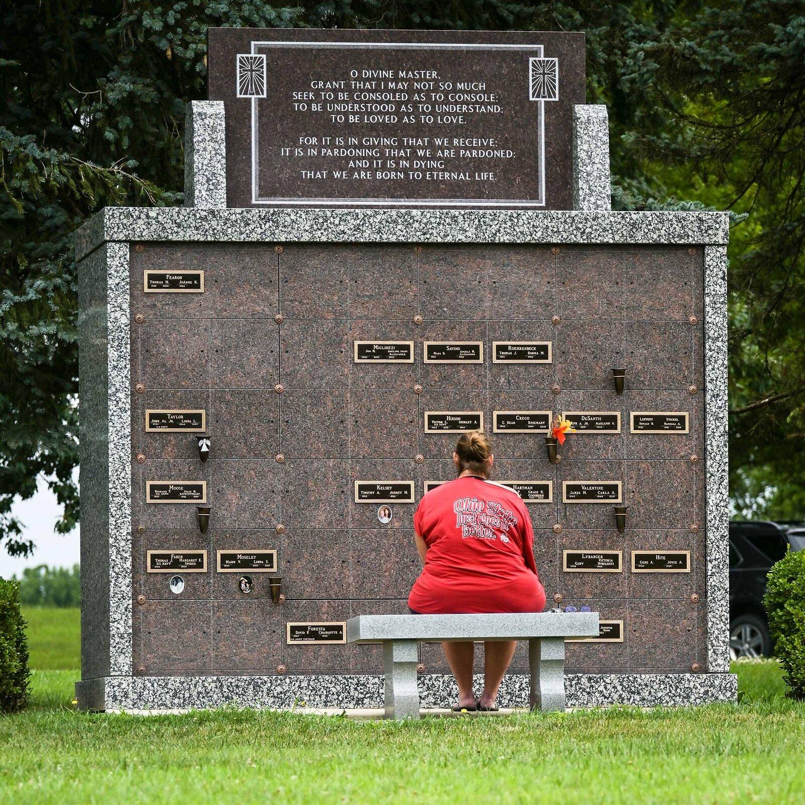 08-02-2020_cemetery_NZ6_6676.jpg
