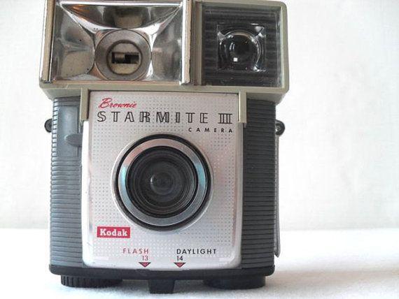 8c82a115d6452f25685e1fd05e613d0c--vintage-cameras-camera-photography.jpg