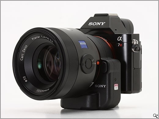 a7r-with-a-mount-001.