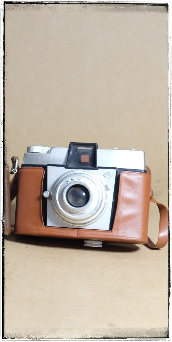 Agfa Isoly early model.jpeg