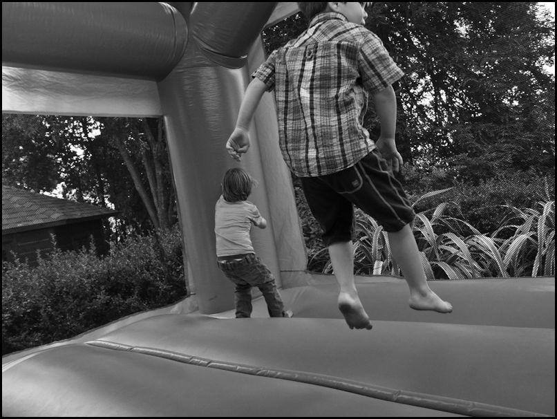 Aiden_bouncyhouse_Aug_1_2010.
