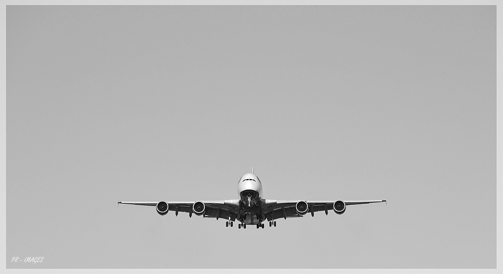 airplane A380 BW 2.JPG