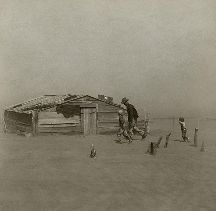 arthur-rothstein-dust-storm-cimarron-county-1936.jpg
