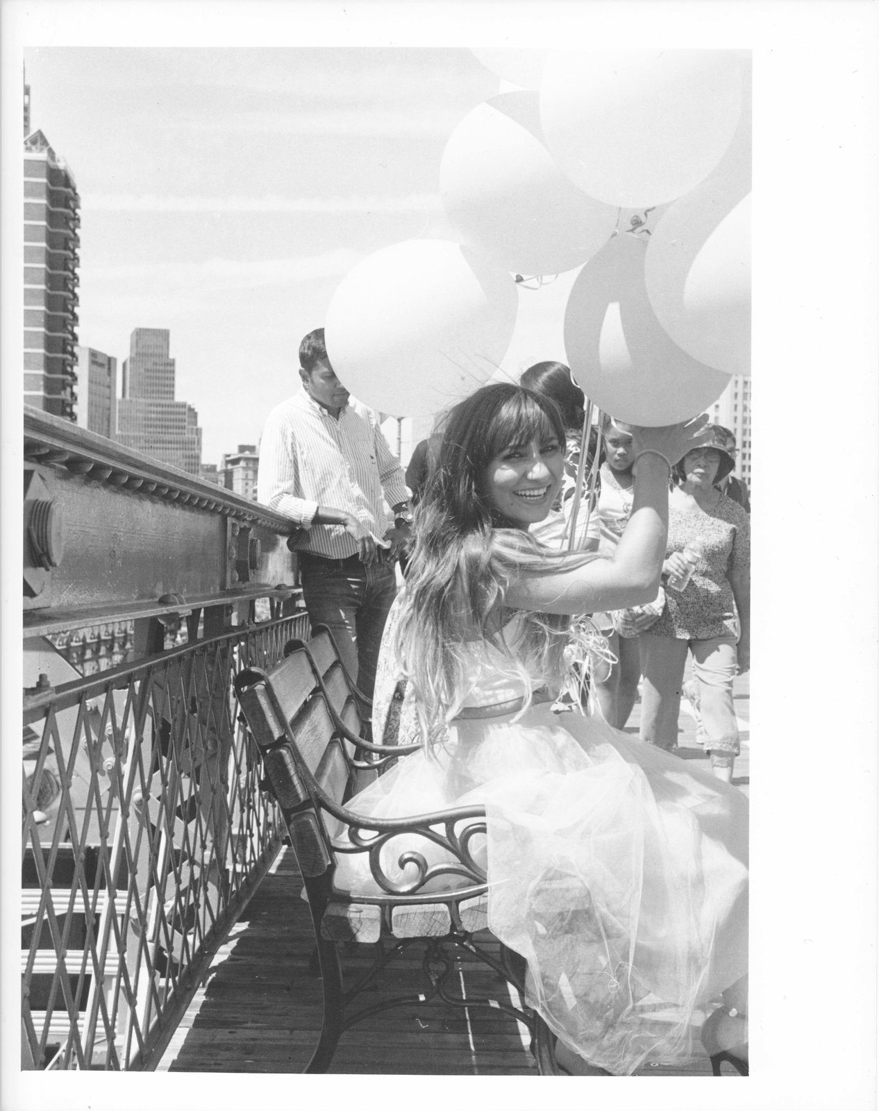 Balloon Girl Brooklyn Bridge.jpg