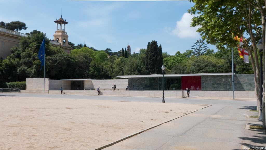 BarcelonaPavillion-19_zps9c18705c.jpg