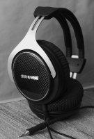 Bw_Headphone_Shure_Srh1540_02_s.jpg