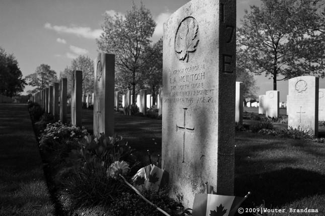 canadian-war-cemetery-groesbeek-grave.jpg