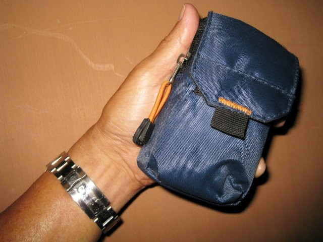 Carry pouch.