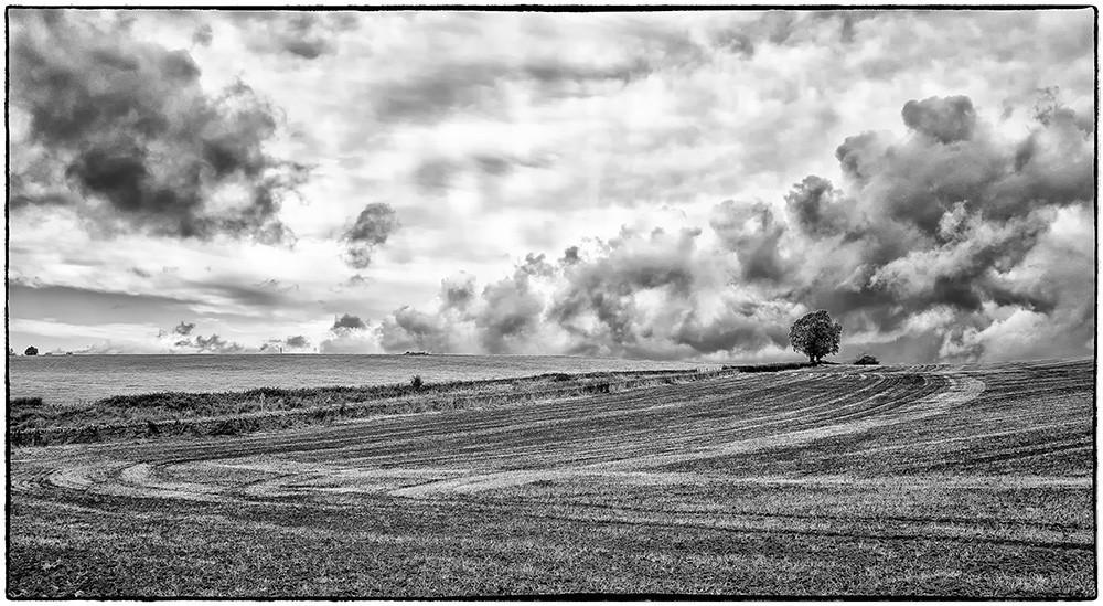 Changing clouds-2 B&W.