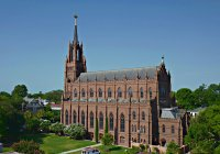Charleston_Church_St_John_Baptist02_s.jpg