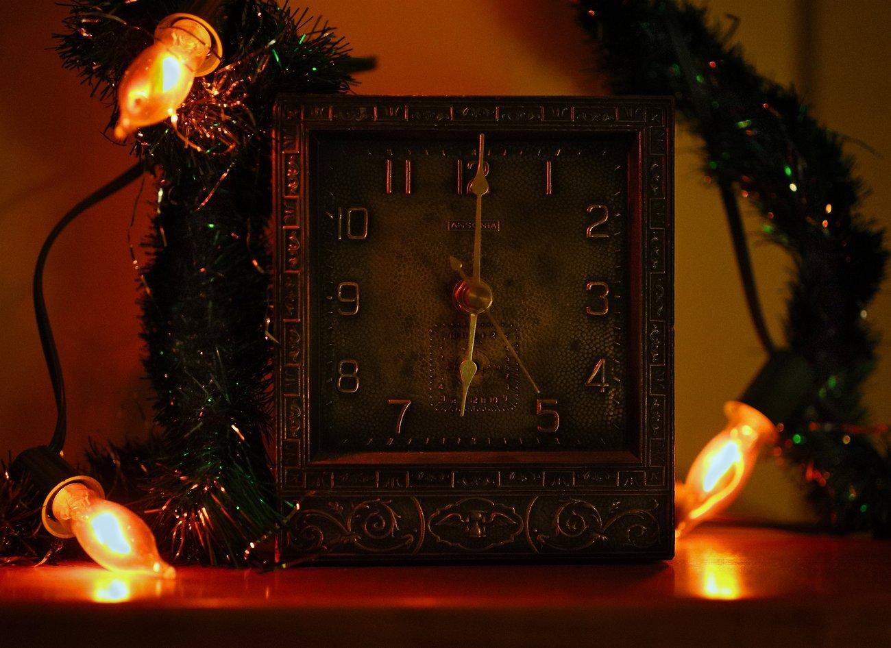 clockl_CanM6ii_32mm_Dec19_small.jpg