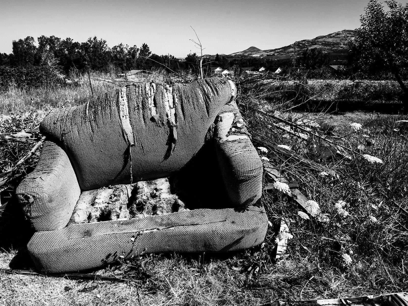 Couch-Acros100.jpg