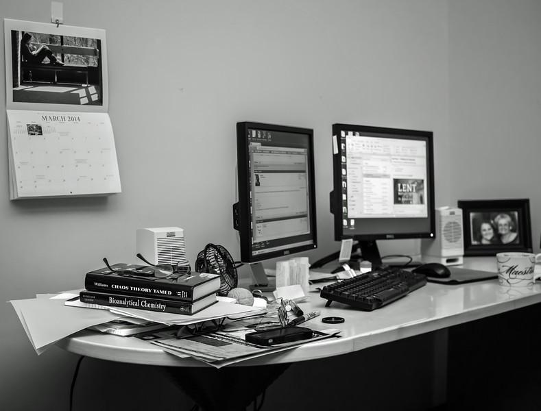 desk-L.jpg