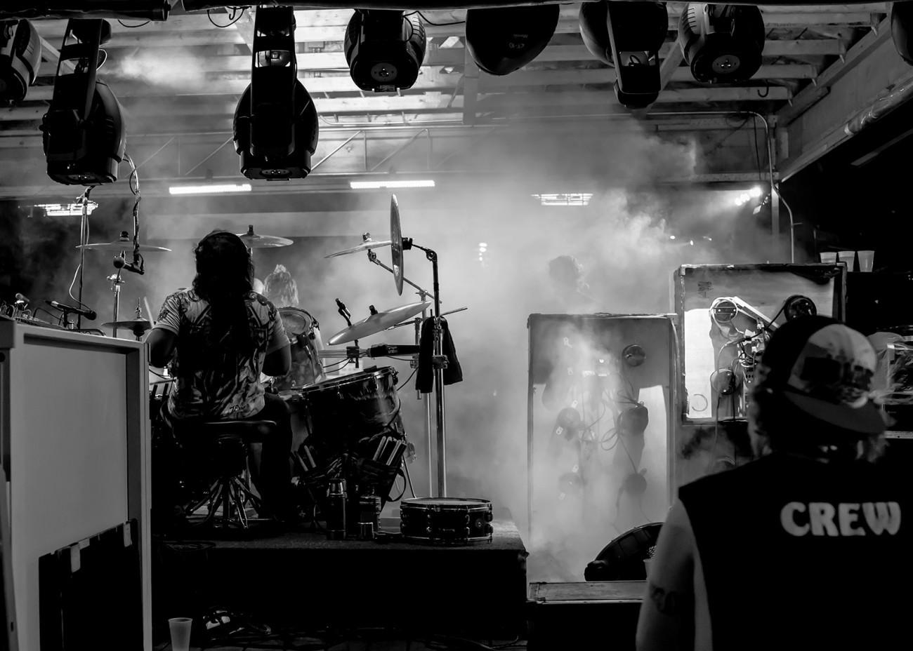 Drummer-back-c-Blk-Wh.jpg