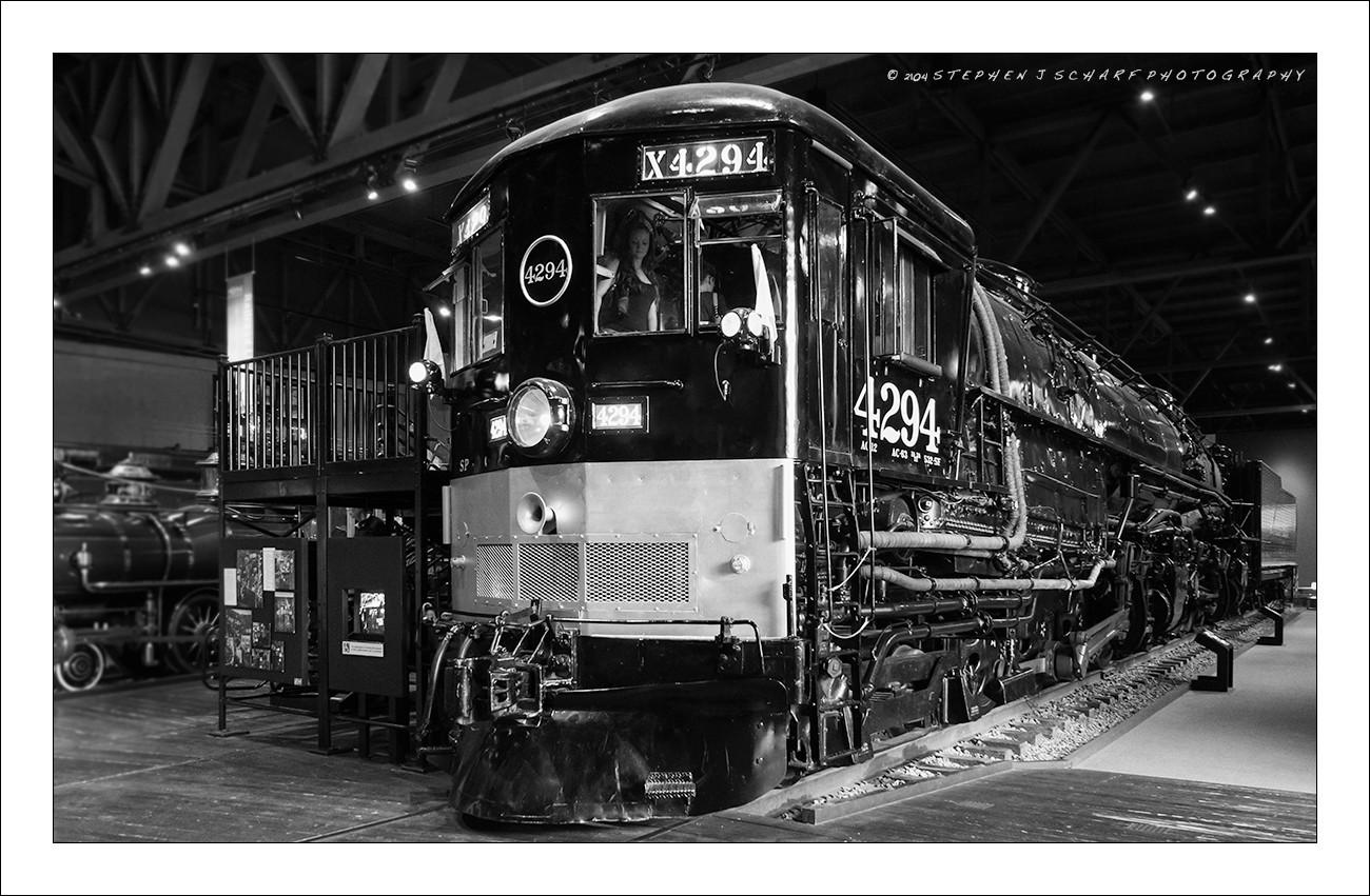 Engine-4294-BW-Web.jpg