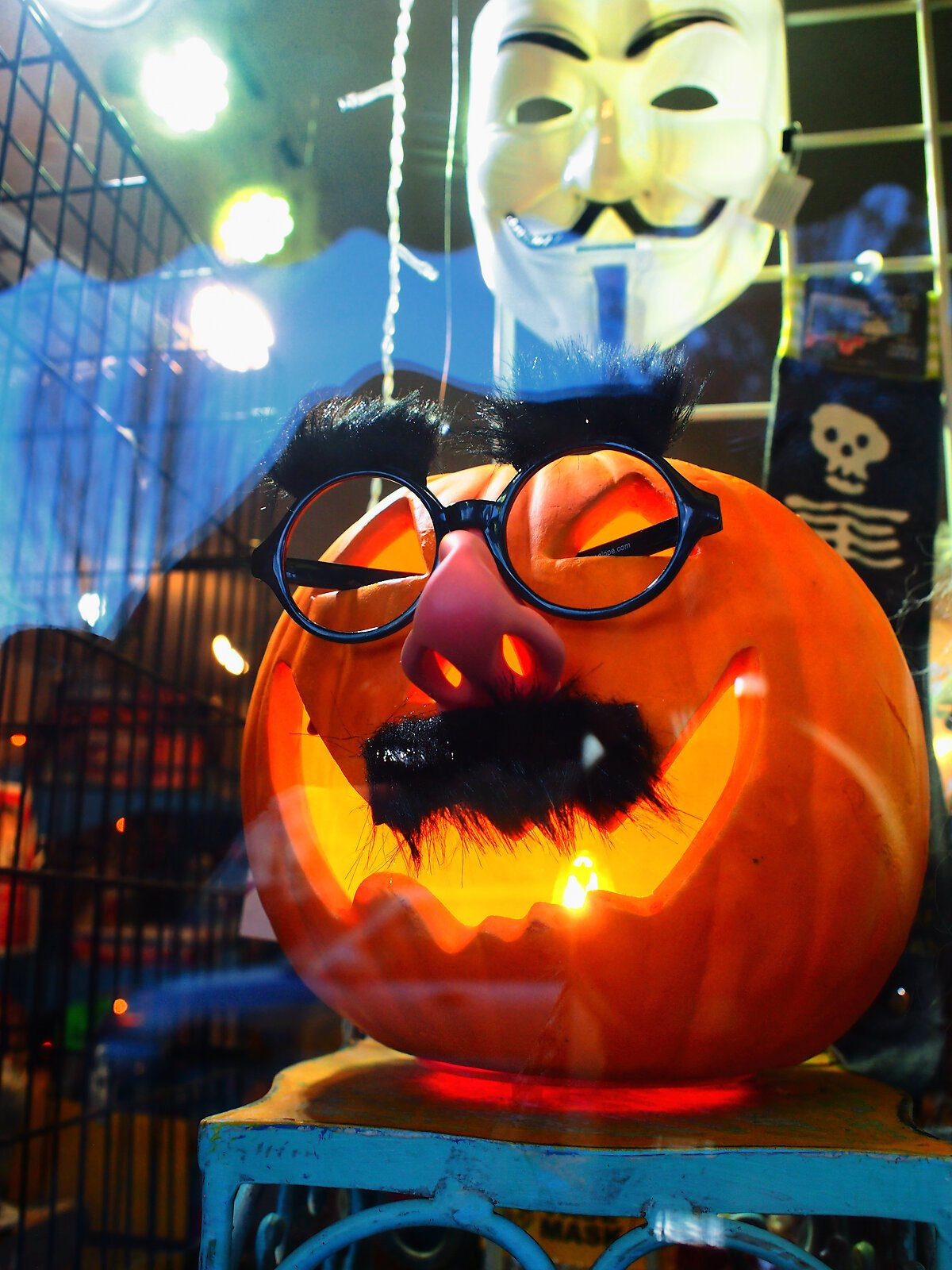 EP3_Halloween_window_#4.jpg