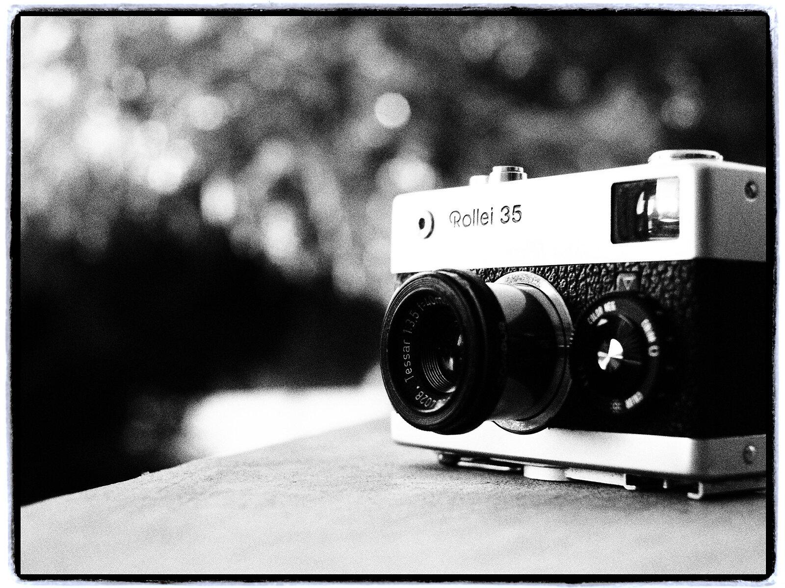 EP3_July21_Rollei35_f4(GrainyFilm).jpg