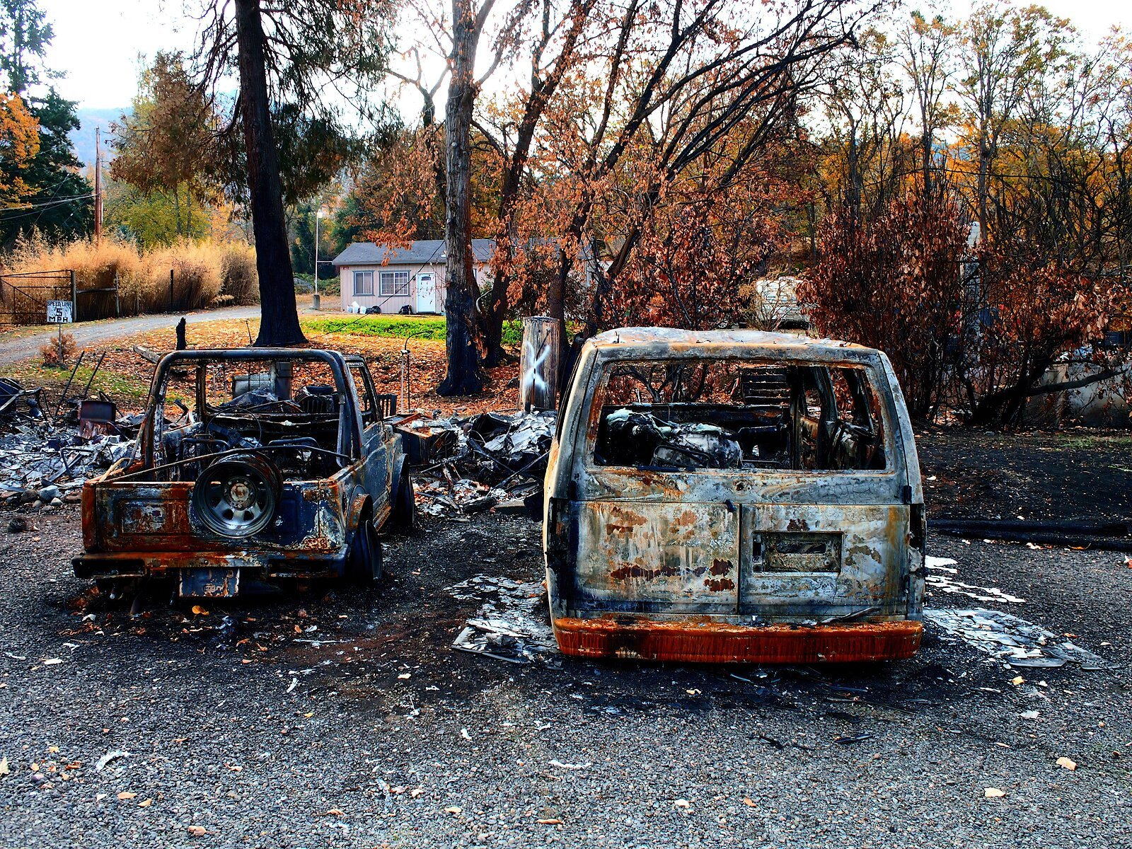 EP3_Nov10_Burned_vehicles#1.jpg