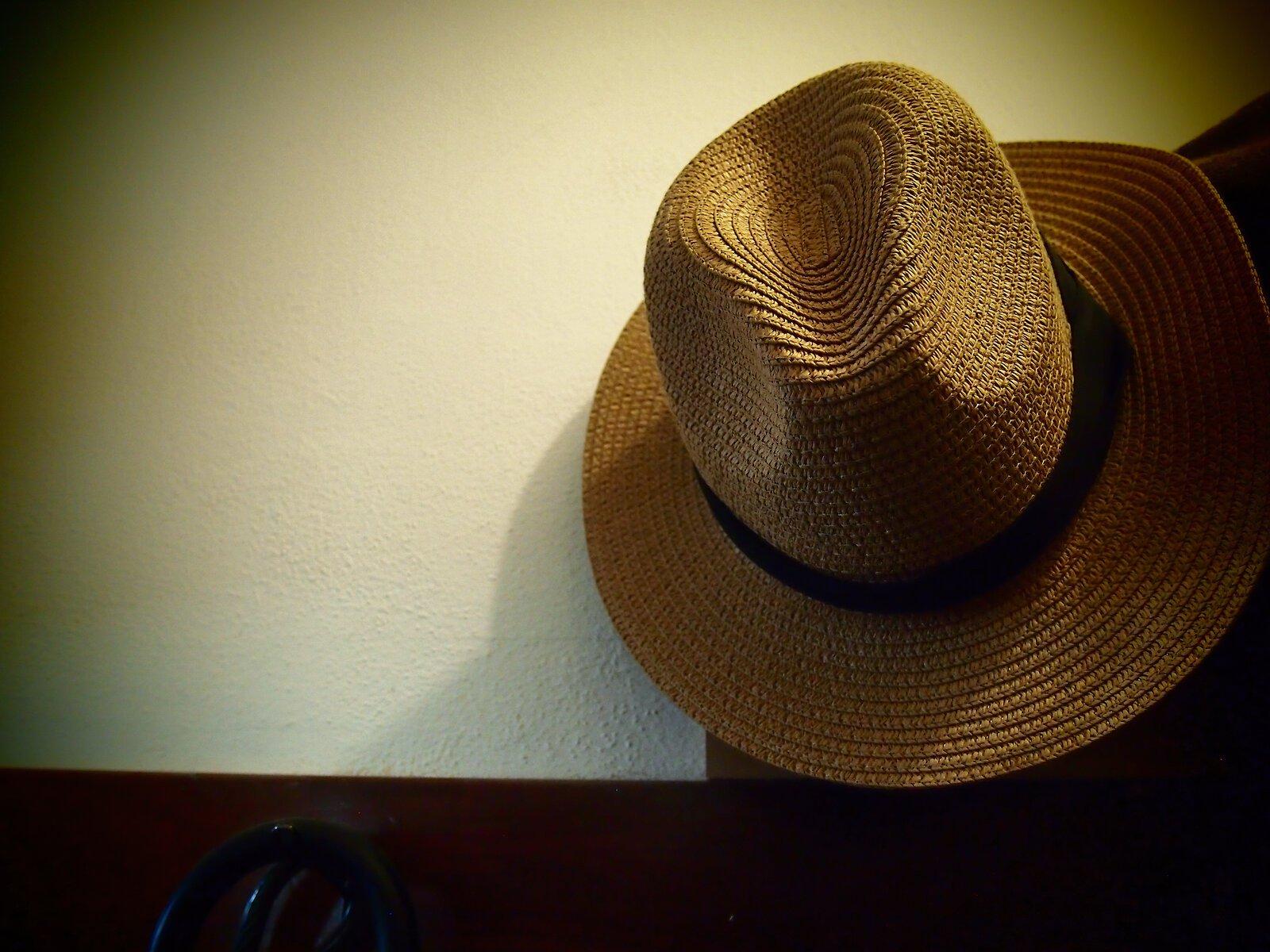 EP3_Oct25_Straw_hat.jpg