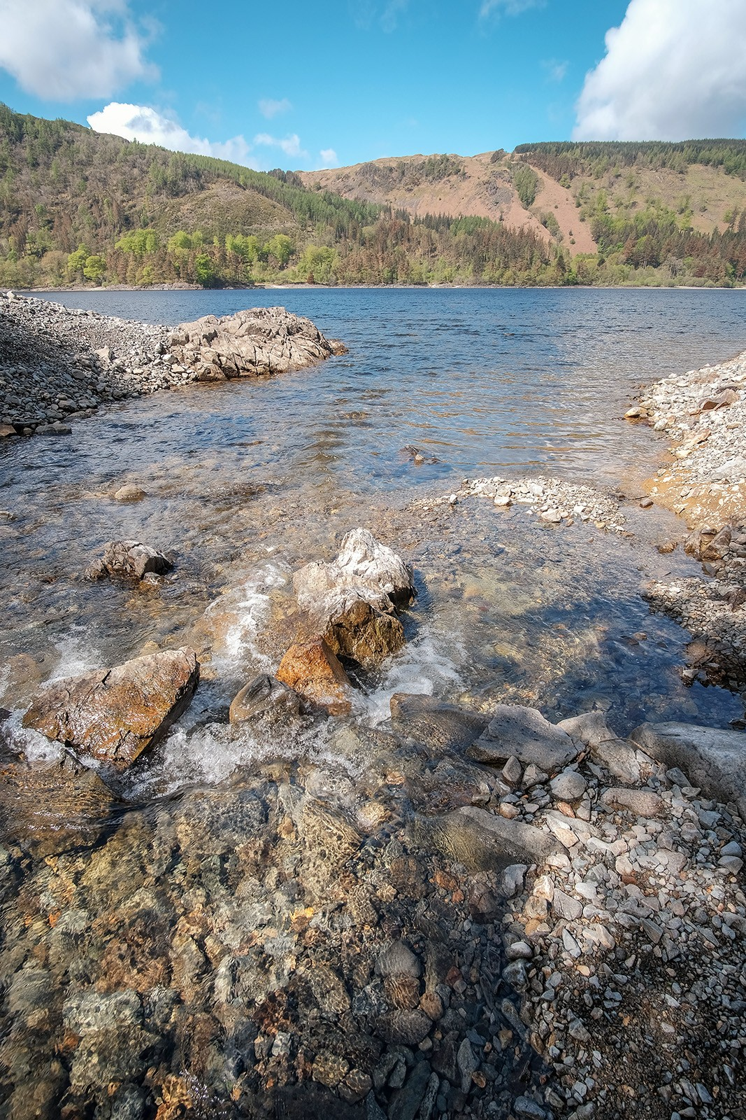 Flowing into Thirlmere.jpg