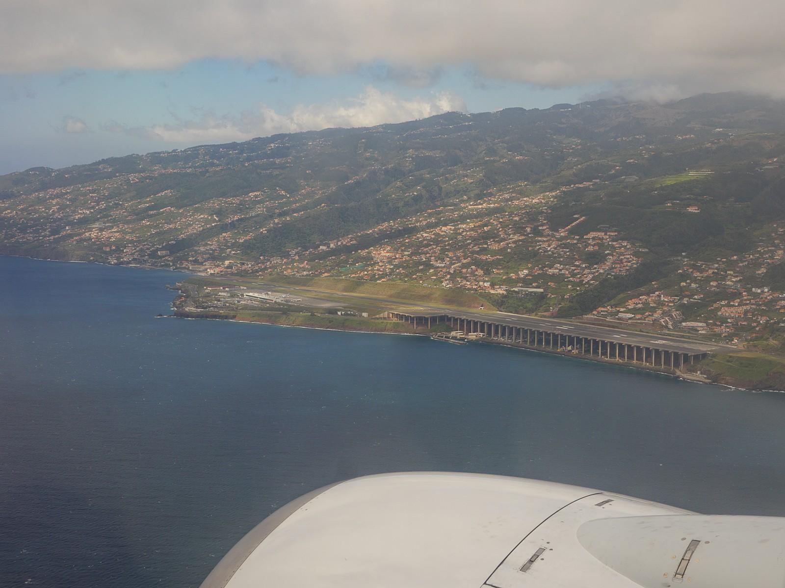 Funchal Airport.jpg