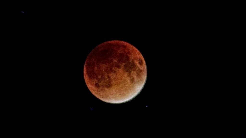 FZ200 Blood Moon 156_DxO copy.jpg
