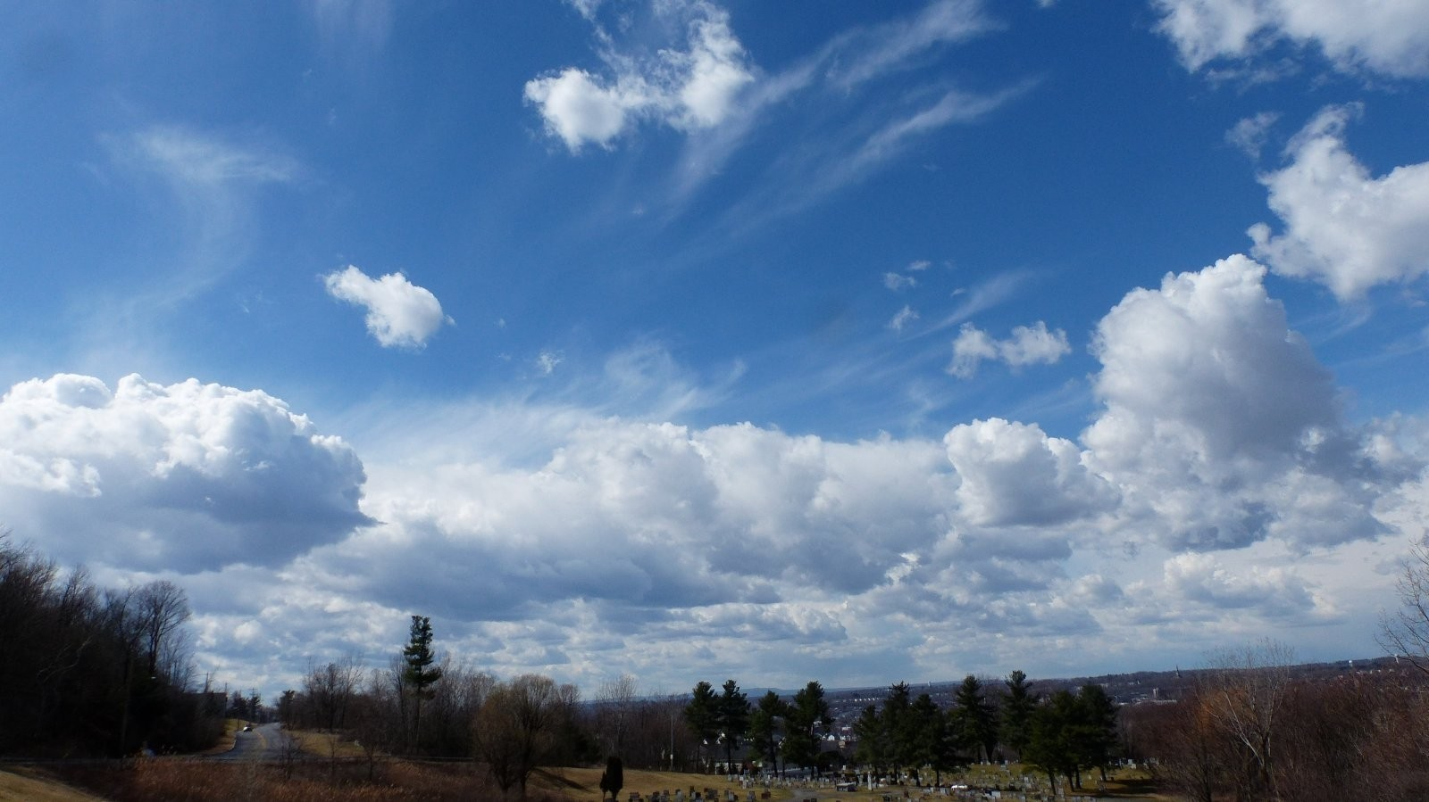 FZ200 Oakwood and St. Mary cemetery skies 015.JPG