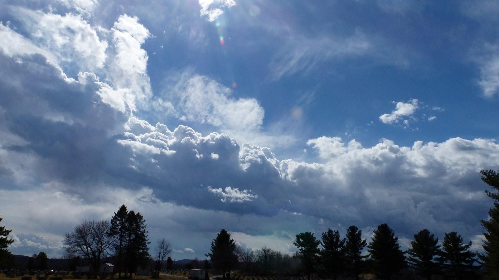 FZ200 Oakwood and St. Mary cemetery skies 023.JPG
