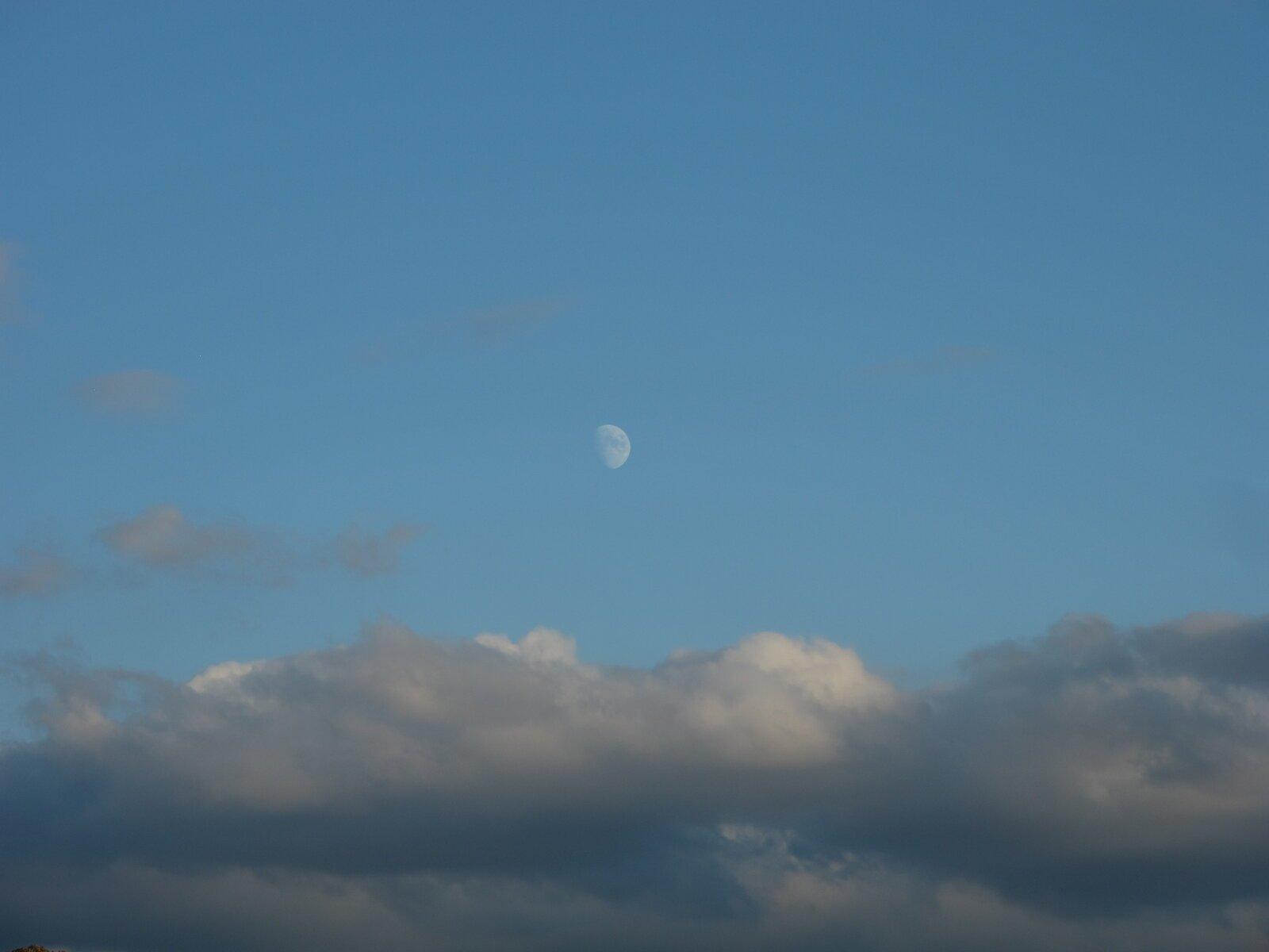 G12 moon 006.JPG