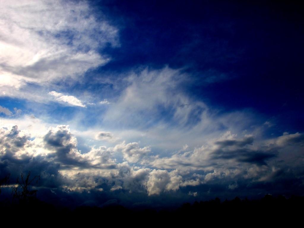G12_storm_001_A_Medium_.JPG