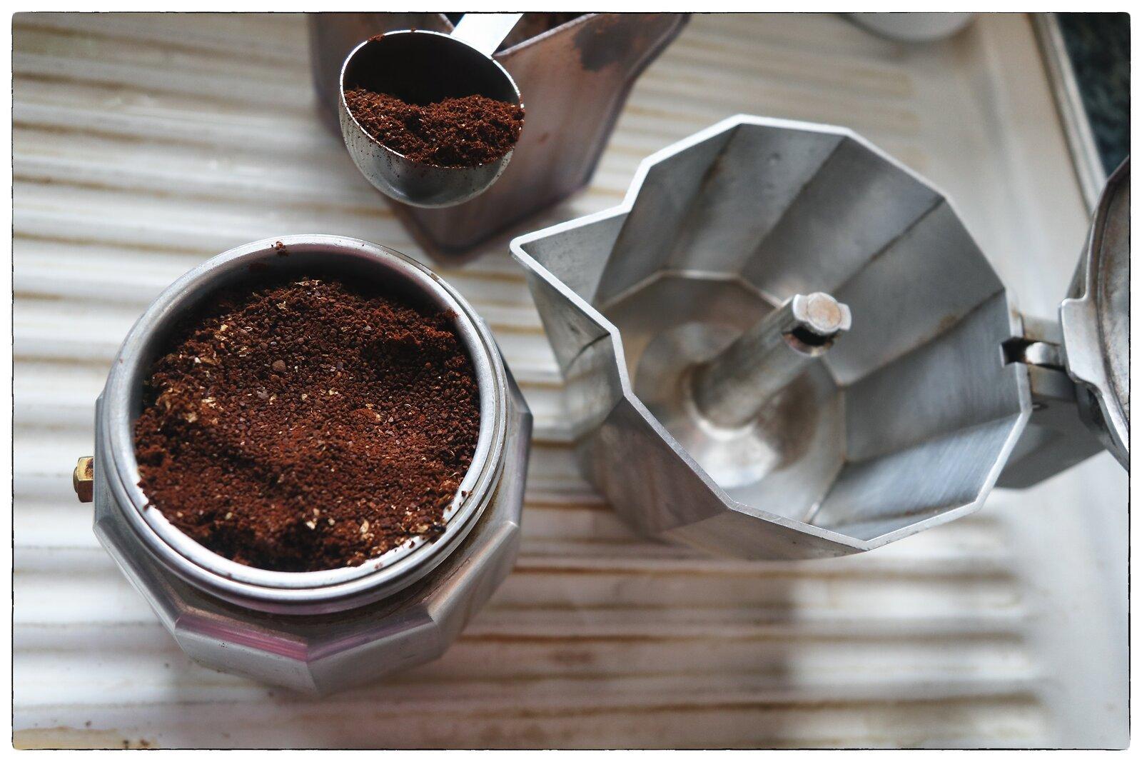 G1x_Jan27_21_Preparing_espresso.jpg