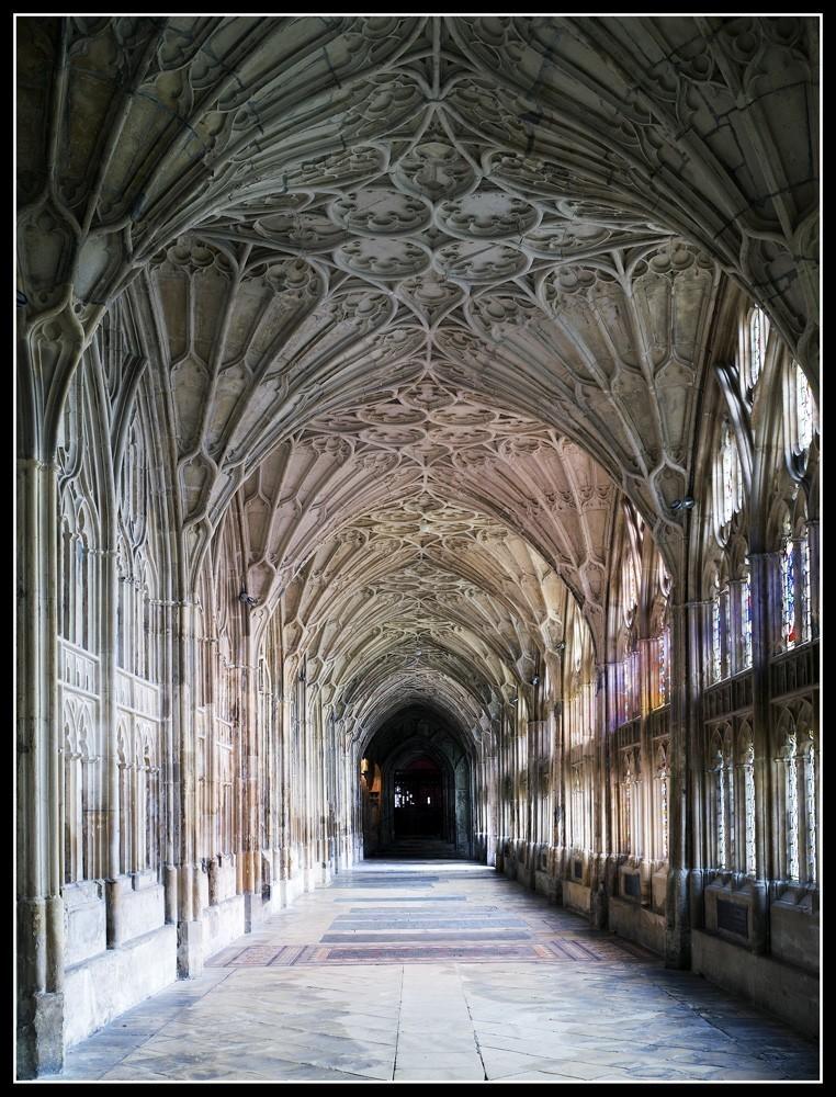 Glos_Cathedral_1.jpg