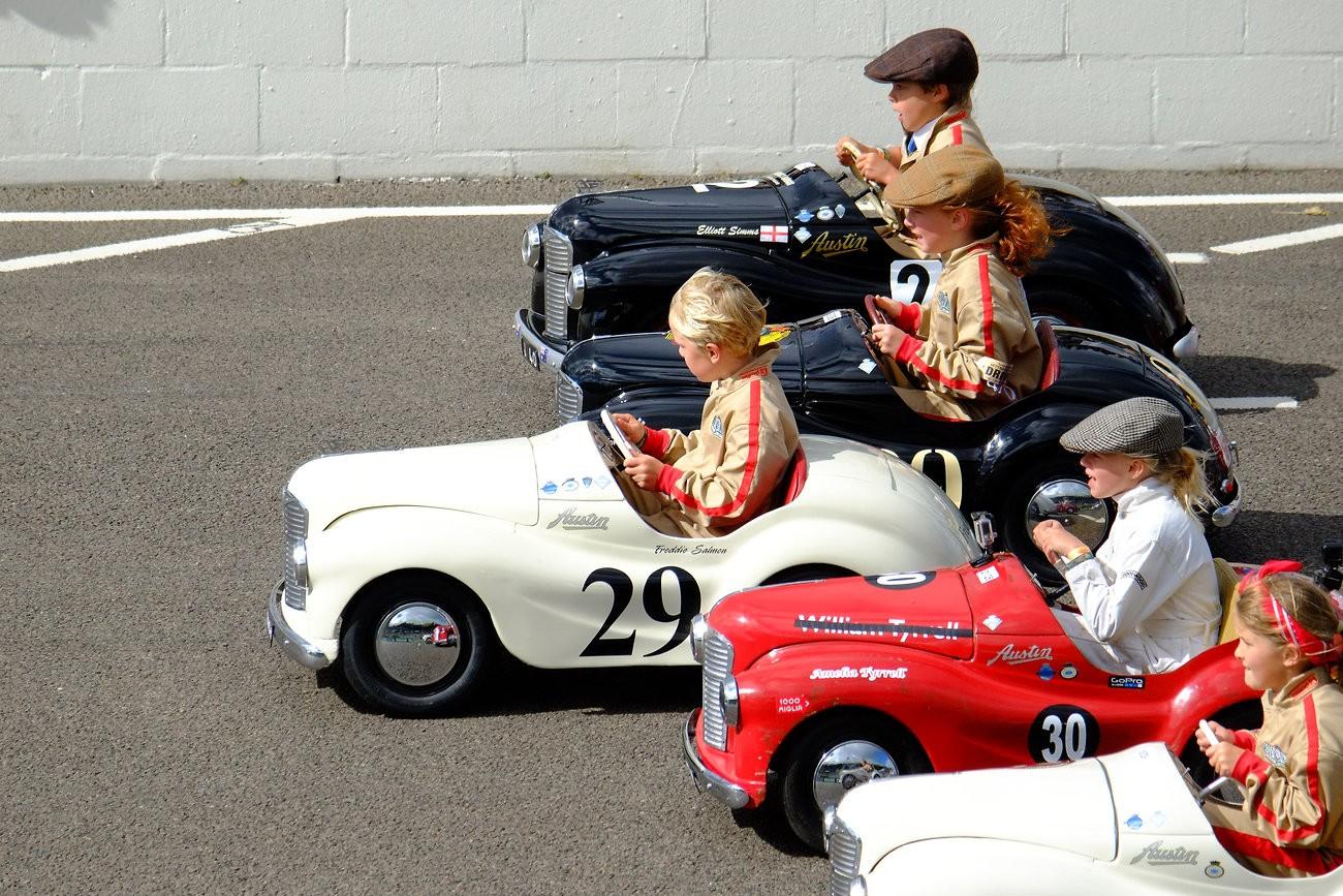 Goodwood Revival Sept 2015 Pedal Car Race 10 XPro1.jpg