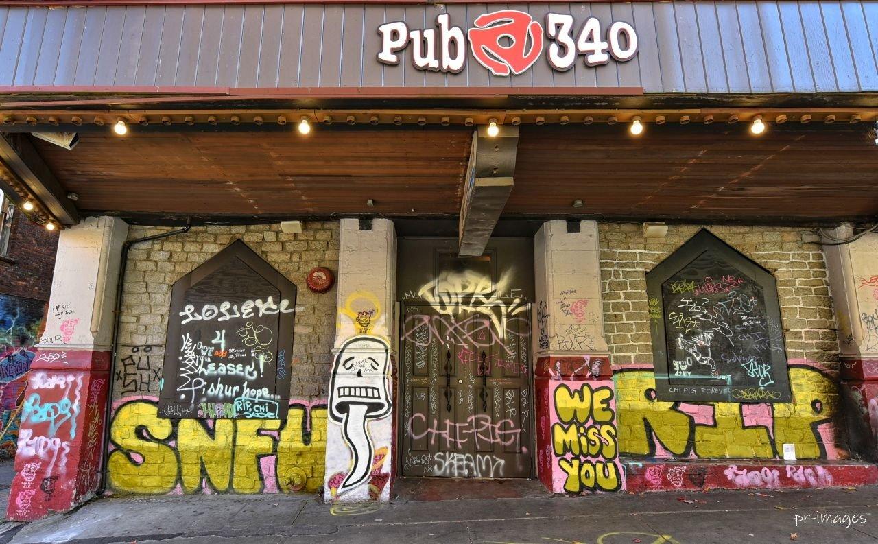 Grafitti Pub 3.JPG