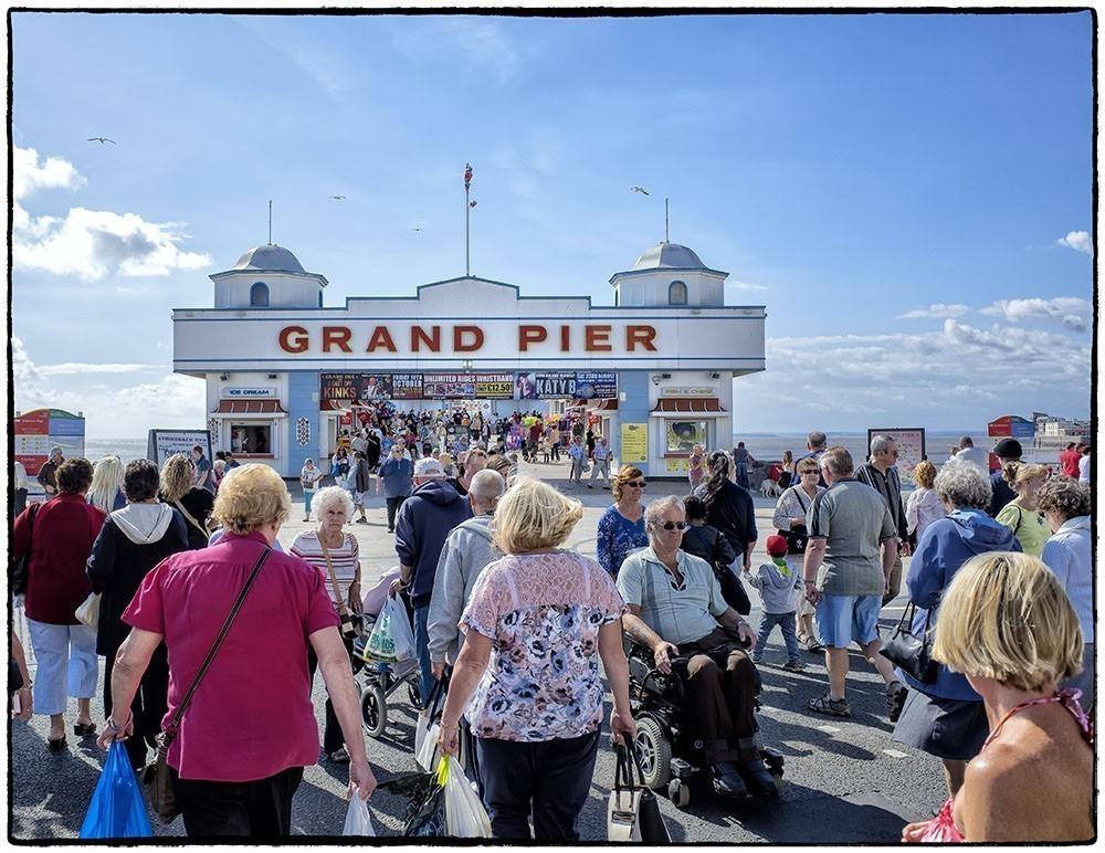 Grand_Pier_entrance.jpg