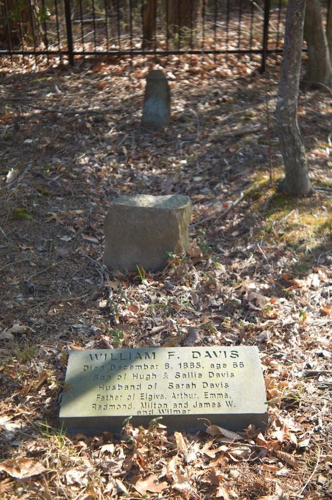 grave_f28.jpg