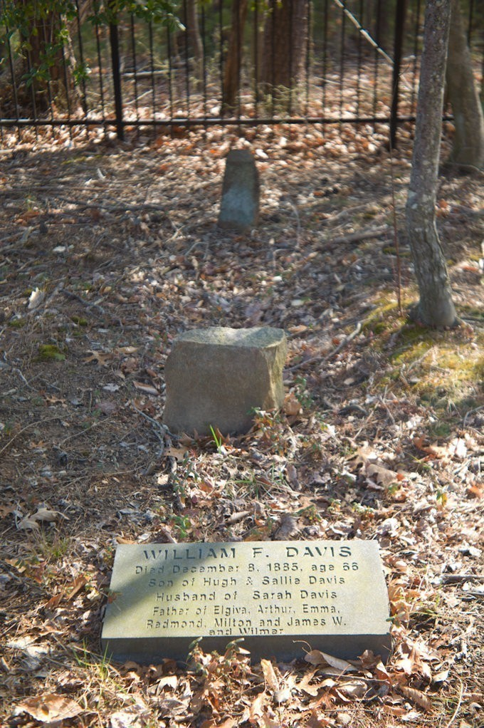 grave_f4.jpg