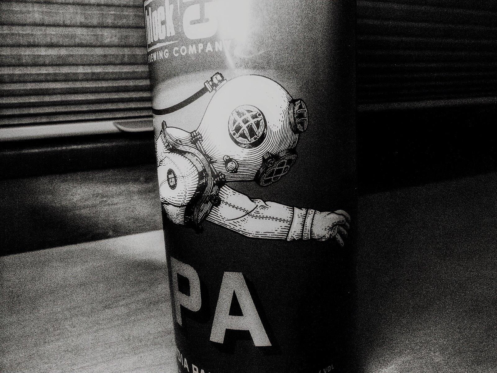 GRDiii_June9_Beer_Diving_helmet(SilverEfex).jpg
