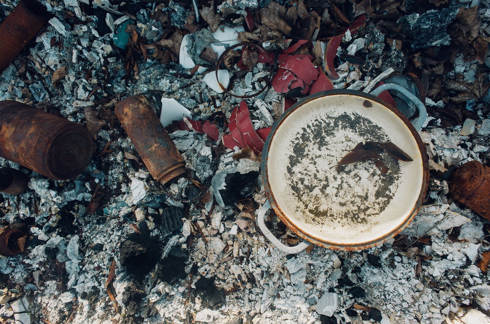 GRII_Feb6_21_Metal_bowl_in_burned_house.jpg
