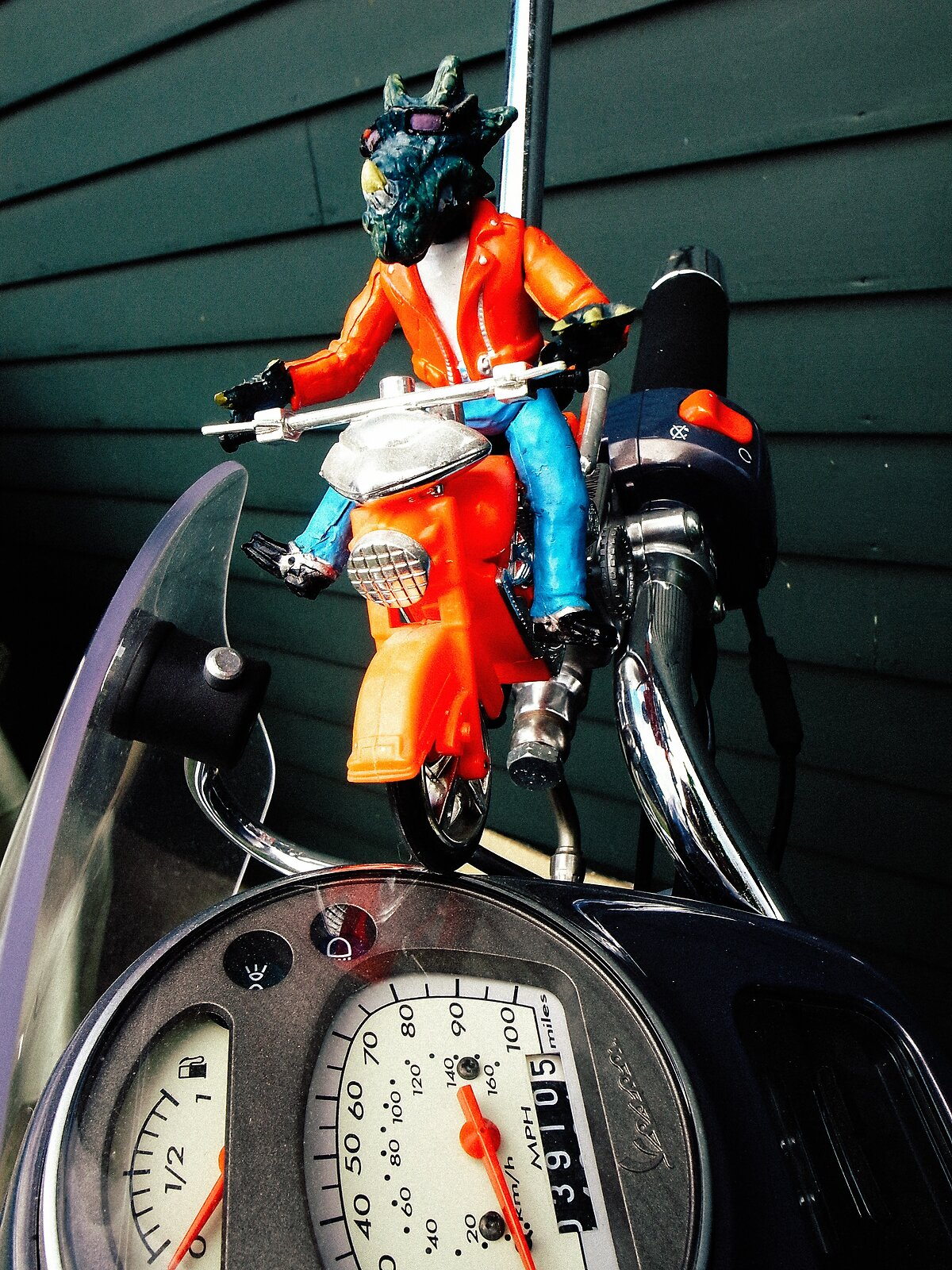 GRII_May22_Dino_biker_Vespa_Speedometer(XP).jpg