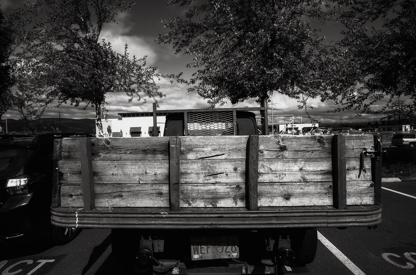 GRII_May22_rear_of_flatbed_truck.jpg