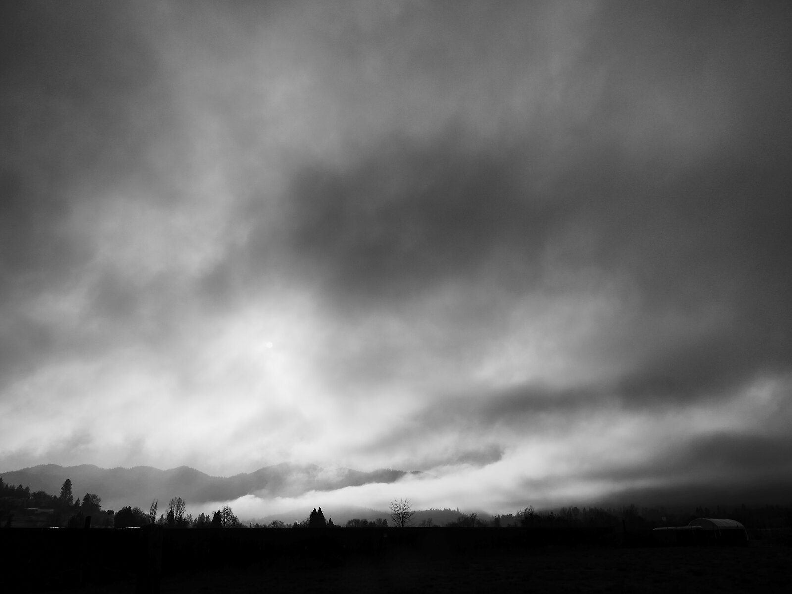 GX8_Jan18_21_clouds_over_Siskiyous.jpg