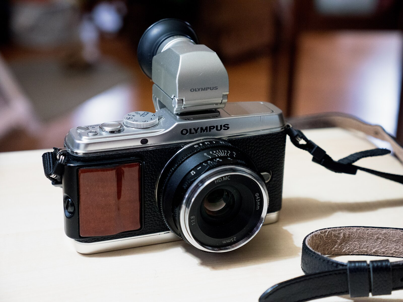 GX8_Oct24_EP3+Pergear_lens.jpg