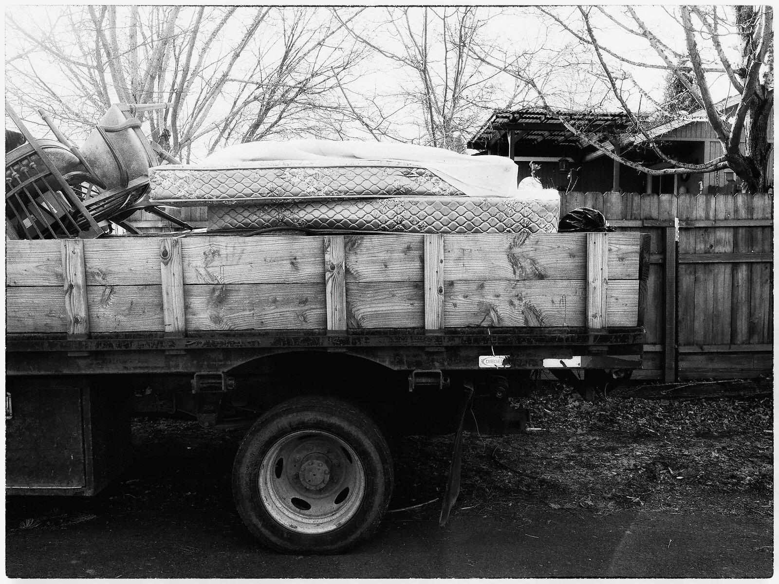 GX9_Feb1_mattresses_in_truck.jpg