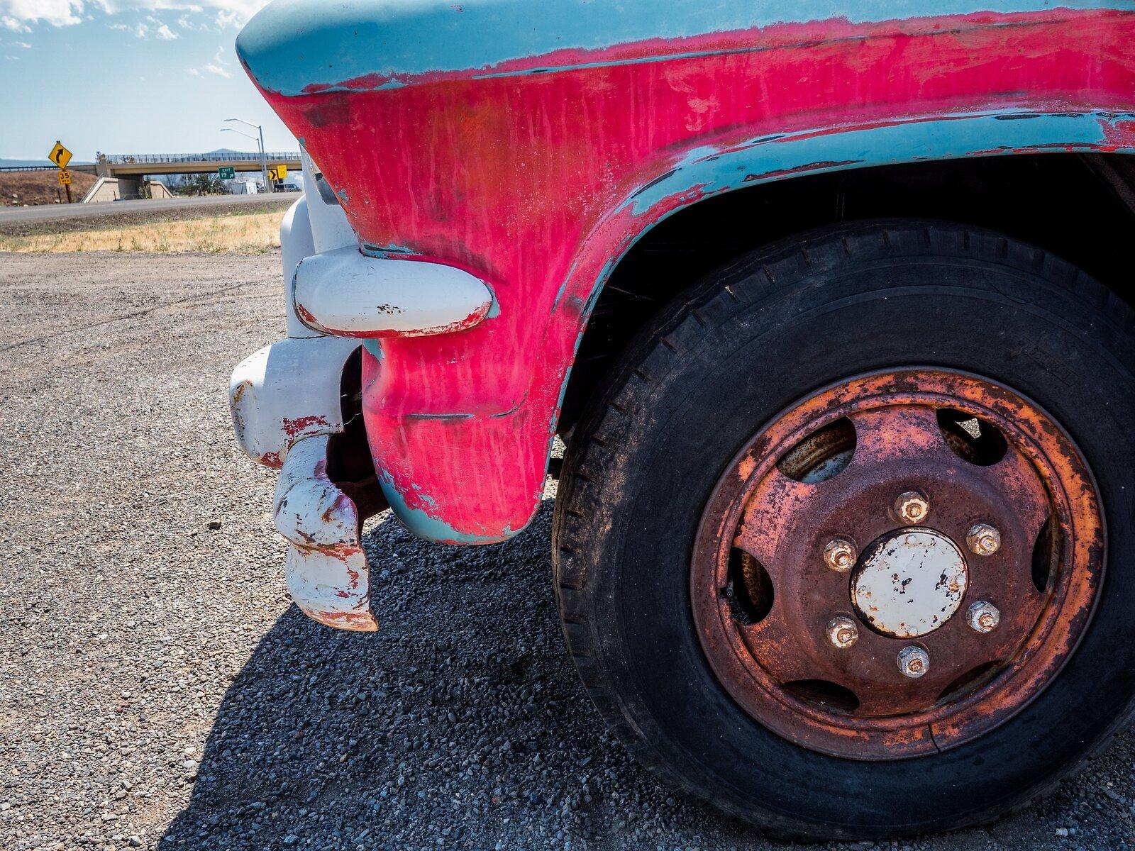 GX9_July6_21_rusty_wheel.jpg
