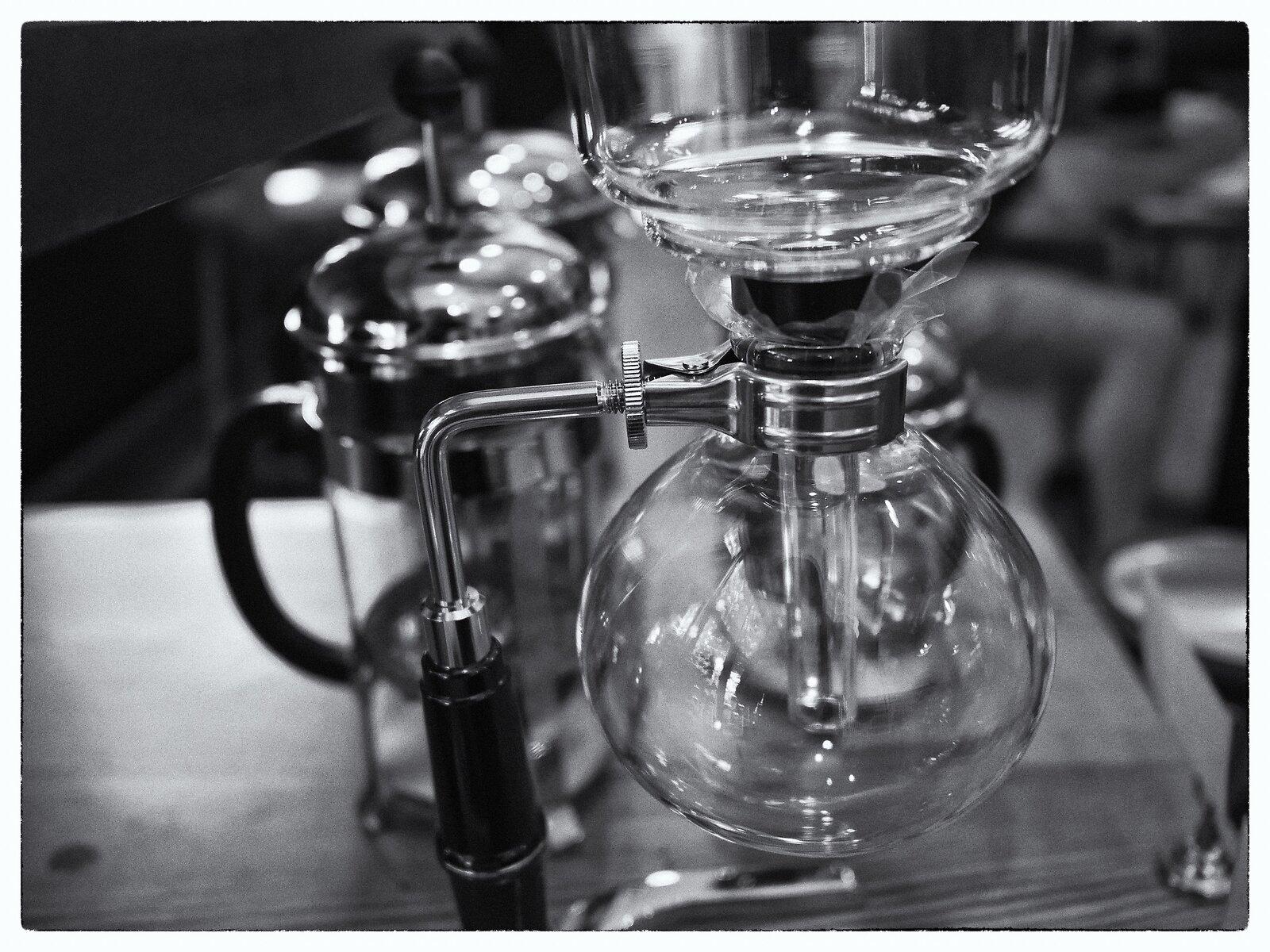 GX9_Jun16_21_coffee_maker(monochrome).jpg