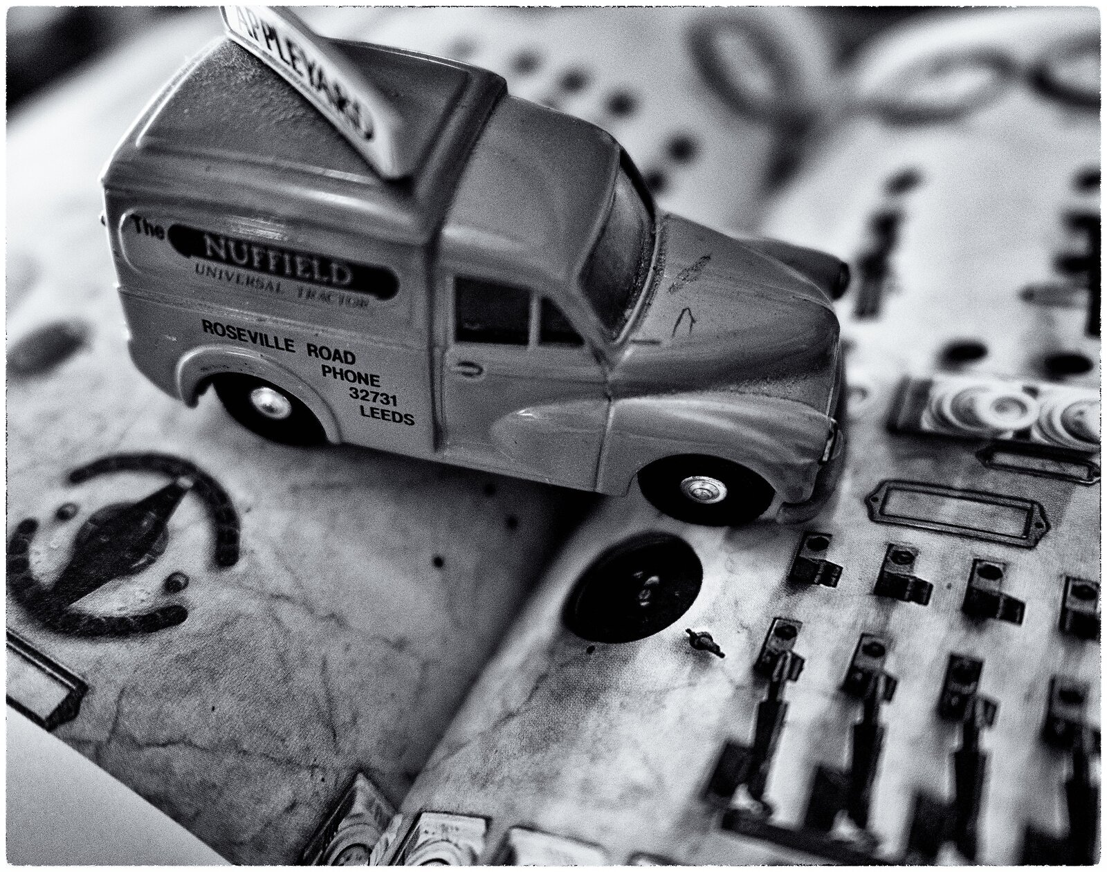 GX9_Jun17_21_truck&book(silver.efex).jpg
