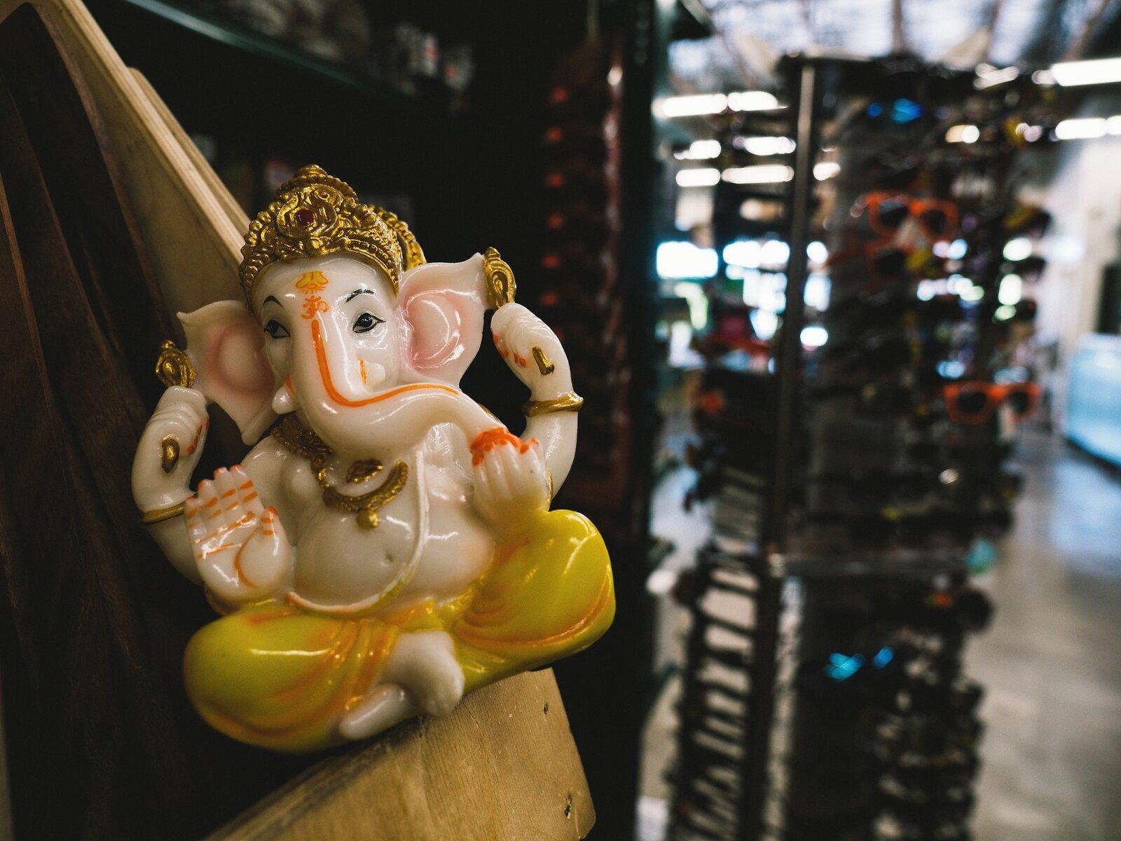 GX9_May2_21_Supermarket_Ganesha.jpg