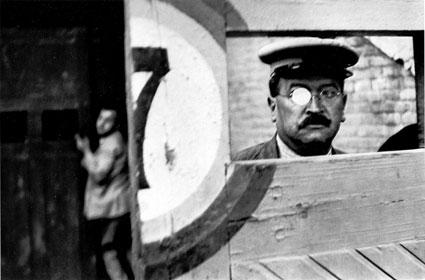 Henri-Cartier-Bresson_Valencia_1933.jpg